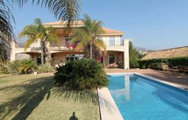 Luxury 6 bedroom houses for sale in Costa del Sol. Lovely family home in an ideal location!