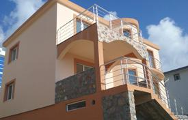 4 bedroom houses by the sea for sale in Montenegro. Townhome – Bar, Montenegro