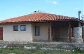 4 bedroom houses for sale in Dobrich Region. Lovely house with a garden for sale in the village of Sokolovo, near Balchik