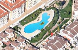 Coastal townhouses for sale in Costa Blanca. Furnished townhouse just 200 meters from the sea in La Mata, Alicante, Spain