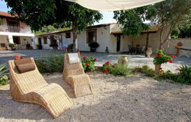 Property for sale in Sicily. Spacious cottage with a terrace and a garden, Sicily, Italy