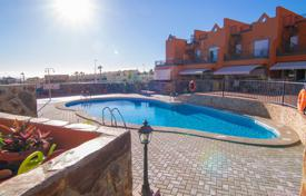 Townhouses for sale in La Caleta. Terraced house – La Caleta, Canary Islands, Spain