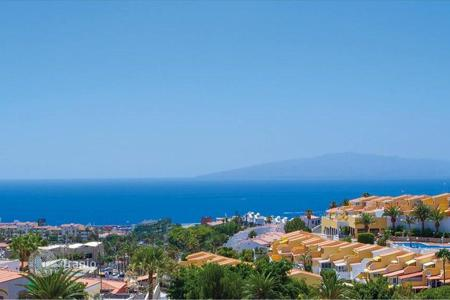 Houses with pools for sale in Tenerife. Villa – Costa Adeje, Canary Islands, Spain