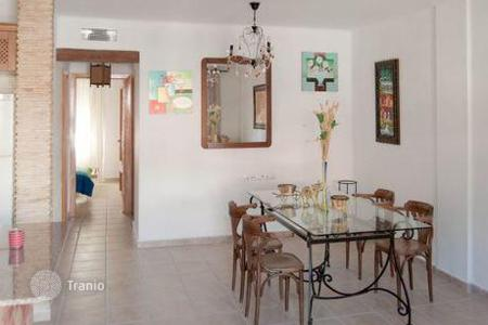 Cheap townhouses for sale in Andalusia. Terraced house - Quesada, Andalusia, Spain