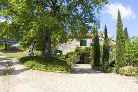 6 bedroom villas and houses to rent in Lucarelli. Villa – Lucarelli, Tuscany, Italy