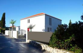 4 bedroom houses by the sea for sale in Split-Dalmatia County. An unfinished and spacious villa for sale in Postira, Brac, Croatia
