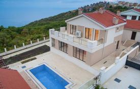 4 bedroom houses for sale in Budva (city). Villa with splendid view over the sea