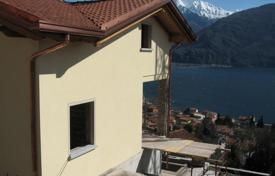 Coastal houses for sale in Lombardy. Villa – Lake Como, Lombardy, Italy