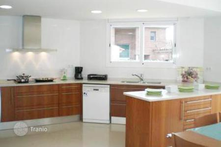 Coastal property for rent in Barcelona. Villa – Barcelona, Catalonia, Spain