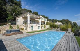 Luxury 4 bedroom houses for sale in Vallauris. New villa with a terrace, sea views, a garage, a parking, a garden and a sauna, in a prestigious area, Vallauris, France