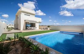 Houses for sale in La Zenia. Luxury villa with private pool in La Zenia