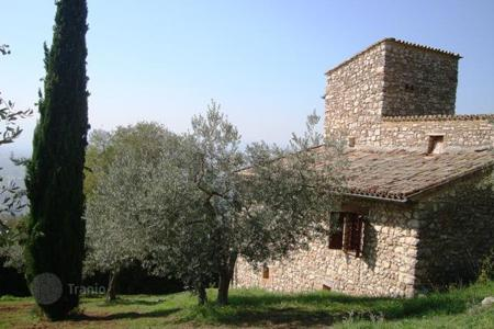 Houses for sale in Umbria. Country House in Assisi