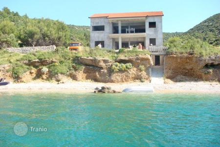 Luxury houses with pools for sale in Split-Dalmatia County. Villa - Brač, Split-Dalmatia County, Croatia