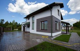 3 bedroom houses for sale in Baltics. Green forest residence in Beberbeki, Riga