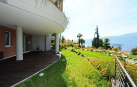 Apartments for sale in Piedmont. Apartment with a private garden and terrace with mountain view, just steps away from the center of Pallanza, Italy