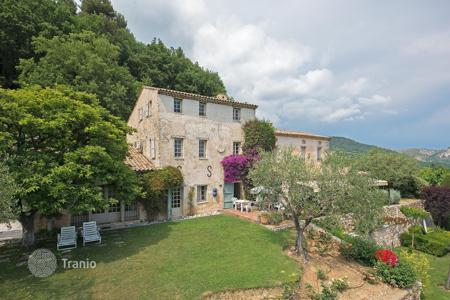 Luxury property for sale in Tourrettes-sur-Loup. Close to Saint-Paul de Vence — Mas from the 13th