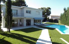 3 bedroom villas and houses to rent in Côte d'Azur (French Riviera). Cap d'Antibes — Lovely villa to rent — Close to Garoupe