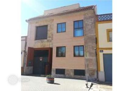 Bank repossessions residential in Castille La Mancha. Terraced house – Miguelturra, Castille La Mancha, Spain