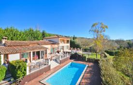 6 bedroom houses for sale in Chateauneuf-Grasse. Villa – Chateauneuf-Grasse, Côte d'Azur (French Riviera), France