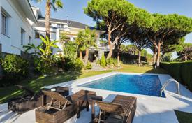 Luxury 5 bedroom houses for sale in Catalonia. Spacious villa with a swimming pool, a terrace and spectacular sea views, in a popular area, close to Barcelona, Cabrera de Mar, Spain