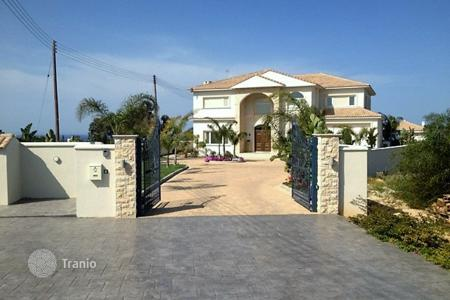 5 bedroom houses for sale in Famagusta. Luxury Villa with Sea Views in Protaras