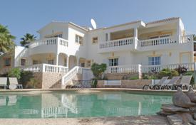 Houses for sale in Faro. 4 Bedroom villa with pool, golf and sea views, Budens, West Algarve