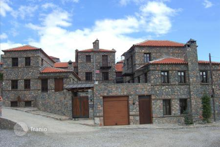 Property for sale in Administration of Epirus and Western Macedonia. Terraced house – Administration of Epirus and Western Macedonia, Greece