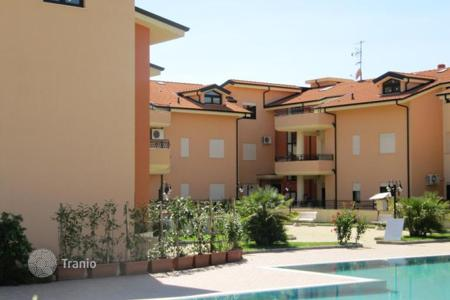 Coastal apartments for sale in Italy. Furnished apartment with a terrace in a new residential complex with swimming pool, 200 meters from the sea, 5 km from Pizzo