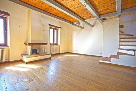 Cheap property for sale in Panicale. Luxury apartment for sale in historic center of the town near lake Trasimeno, Umbria