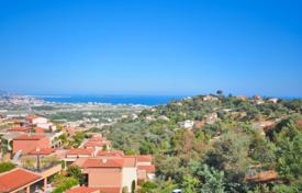 3 bedroom apartments for sale in Mandelieu-la-Napoule. Apartment – Mandelieu-la-Napoule, Côte d'Azur (French Riviera), France
