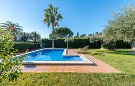 Coastal villas and houses for rent in Costa Dorada. Villa – Cambrils, Catalonia, Spain