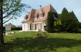 4 bedroom houses for sale in Nouvelle-Aquitaine. Agricultural – Nouvelle-Aquitaine, France
