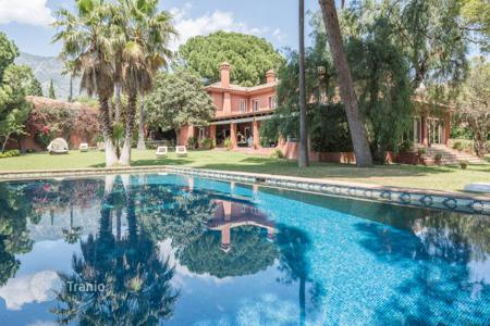 Luxury property for sale in Malaga. Villa for sale in Nagüeles, Marbella Golden Mile