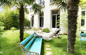 Luxury 3 bedroom apartments for sale in Ile-de-France. Neuilly-sur-Seine – Facing the bois de Boulogne