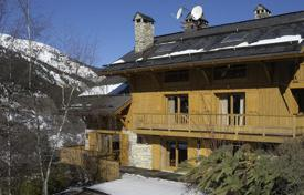 Residential to rent in Meribel. Chalet – Meribel, Auvergne-Rhône-Alpes, France