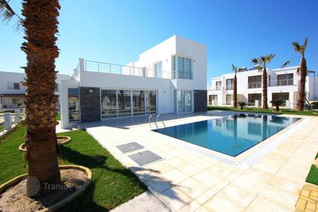 Houses with pools by the sea for sale in Gazimağusa. Villa – Famagusta (Gazimağusa), Gazimağusa, Cyprus