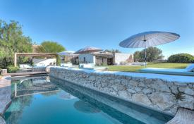 5 bedroom villas and houses to rent in Balearic Islands. Villa – Ibiza, Balearic Islands, Spain