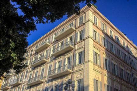 5 bedroom apartments for sale in Côte d'Azur (French Riviera). Apartment — office on the Promenade des Anglais