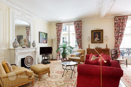 2 bedroom apartments for sale in Paris. Paris 7th District — Rue de Bellechasse
