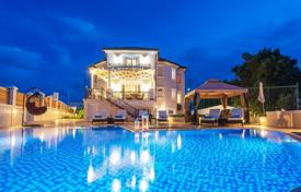 3 bedroom villas and houses to rent in Zakinthos. Luxury two-storey villa of 450sqm, with nice sea views, fully furnished, 2 km from the town of Zakynthos, is for long term rent