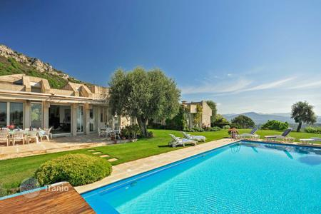 Villas and houses to rent in Bouches-du-Rhône. Villa Picasso