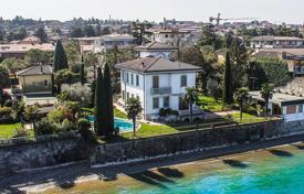 Luxury villa with a garden, a swimming pool, a private dock and a boat shelter, Desenzano del Garda, Italy for 12,000,000 €