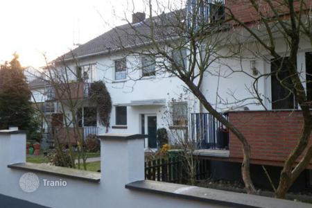 Cheap 1 bedroom apartments for sale in Germany. Repaired apartment in a green district of Cologne