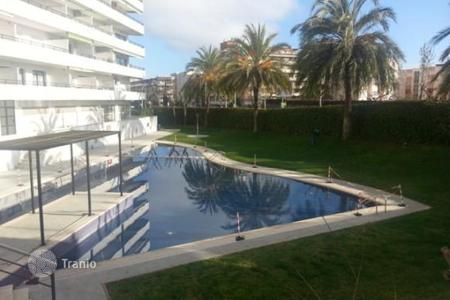 Cheap property for sale in Catalonia. Bright modern apartment in the heart of Salou