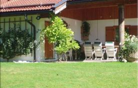 Houses for sale in Bavaria. Sunny villa in an exclusive residential area in Rottach-Egern