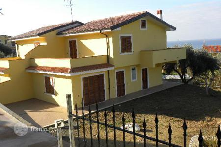 Residential for sale in Marina di Santa Maria del Cedro. A new villa on the coast with the own garden and a panoramic view of the sea in Diamante, Calabria