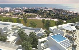 Apartments with pools for sale in Estepona. New apartment with a terrace, a parking and sea views in a residential complex with a garden, a swimming pool and a gym, Estepona, Spain