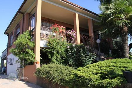 Property for sale in Emilia-Romagna. Panoramic VILLA with GARDEN