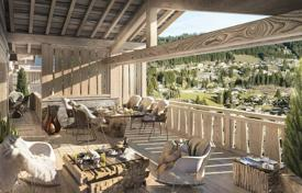 Luxury residential for sale in Les Gets. Elite chalet with a terrace and a balcony, 500 meters from the center of the resort and ski lifts, Les Gets, Alpes, France