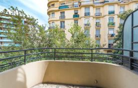 3 bedroom apartments by the sea for sale in Côte d'Azur (French Riviera). Lower Gambetta, 6 rooms, 128sqm
